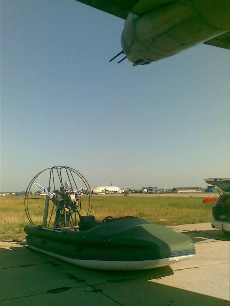 Только в полете живут самолеты (фото) Normal_25082009%28005%29